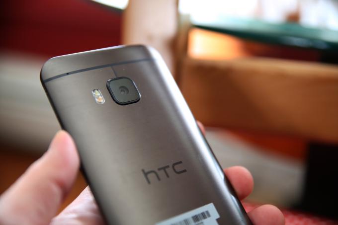 HTC One M9 Rear + Camera